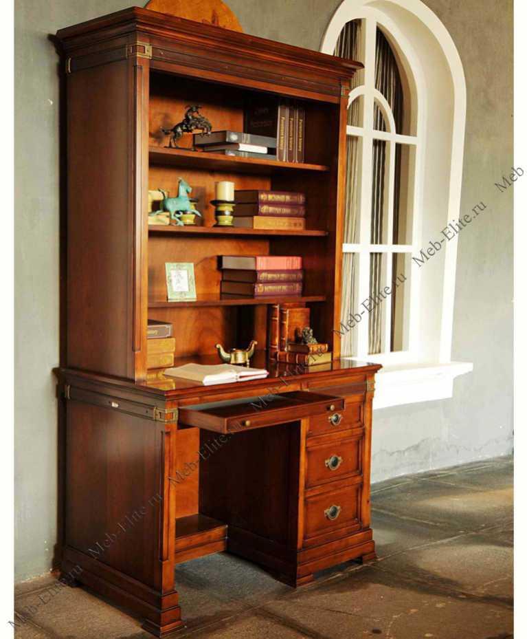 Письменный стол с надстройкой для кабинета.