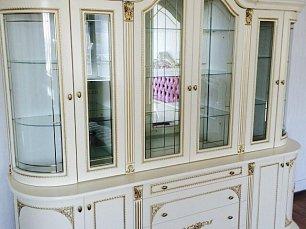 Динара 2,4 витрина 4 дверная