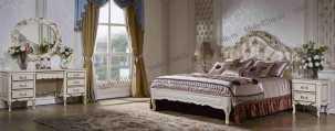 Виттория спальня комплект: кровать 180х200 + 2 тумбы прикроватные + туалетный стол с зеркалом + шкаф 4 дверный слоновая кость + золото