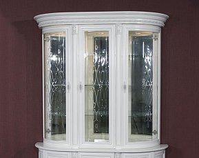 Милан витрина 3 дверная 11-01