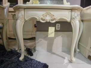 Белый Цветок стол туалетный 8803-В