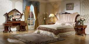 Роял спальня комплект орех+золото: Кровать 1.8, Тумба прикр. -2 шт, Столик туалетный с зеркалом, Шкаф-4х. дв. с зеркалом
